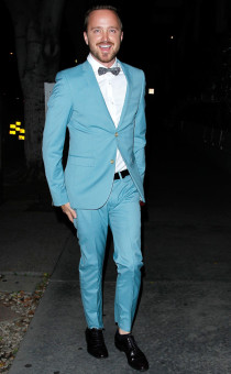rs_634x1024-140828105549-634.Aaron-Paul-Blue-Suit.jl.082814